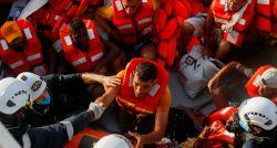 ONGs resgataram mais de 700 migrantes neste fim de semana no Mediterrâneo